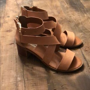 Beige leather Steve Madden sandals